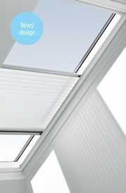 Tato roleta pomáhá regulovat světlo v podkroví