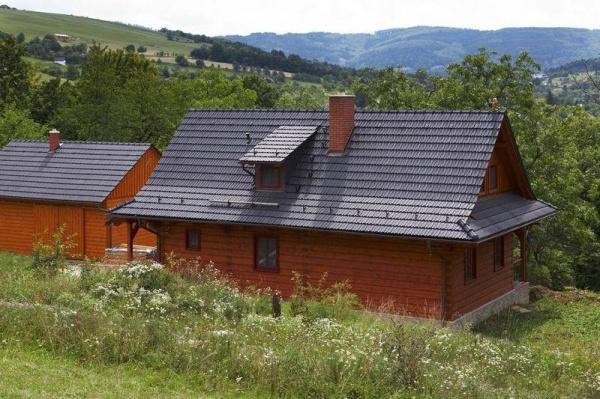 Tondach Hranice 11 - Engoba černá, Rodinný dům