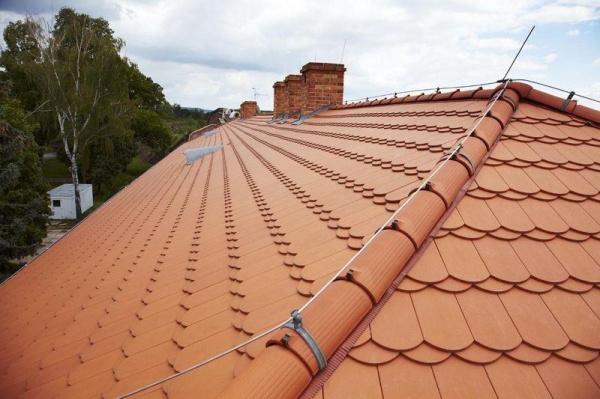 Tondach Bobrovka - Režná detail střechy