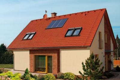 Solární panely Bramac na střeše domu