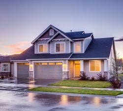 Nezapomeňte na pravidelnou roční kontrolu střechy!