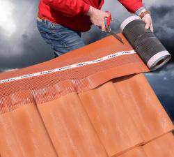 Tondach představuje nový větrací pás EXTREME s lepící vrstvou WCS