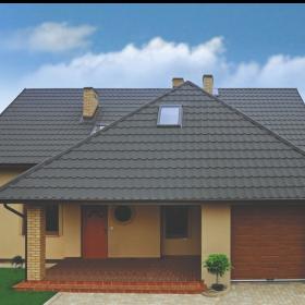 Ocel nebo hliník? Vybíráme vhodný materiál plechové střechy.